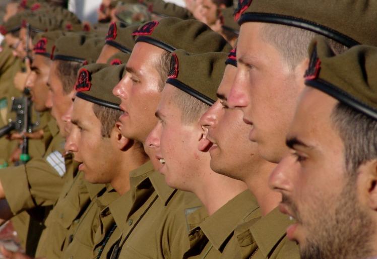 soldiers-197797_1920.jpg